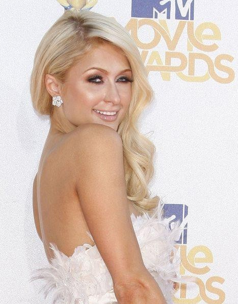 Una spumeggiante Paris Hilton ai MTV Movie Awards 2010