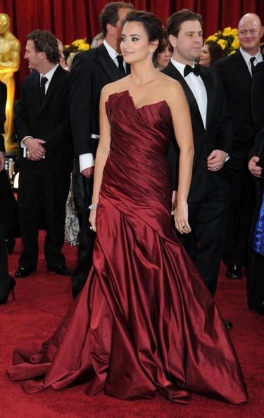 Penelope Cruz splendida sul Red Carpet degli Oscar 2010