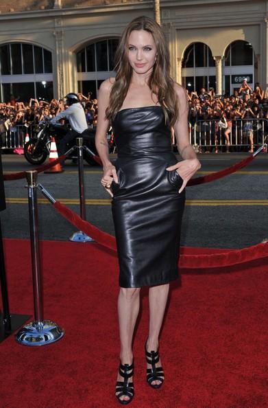 Angelina Jolie ad una premiere di Bastardi senza gloria