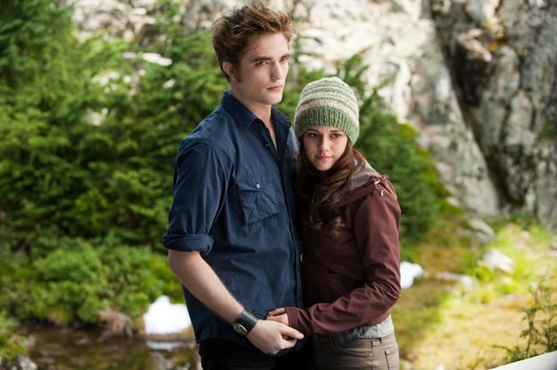 Kristen Stewart e Robert Pattinson in una scena di The Twilight Saga: Eclipse