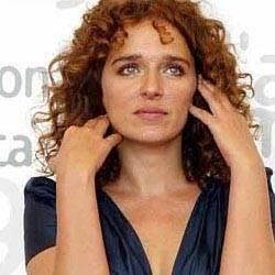 La bella Valeria Golino alla Mostra di Venezia