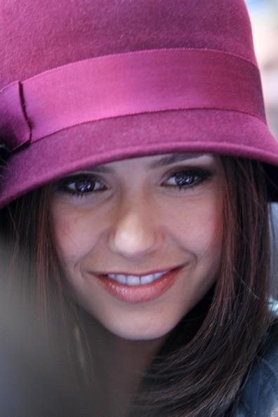 Nina Dobrev a Londra, nel 2010