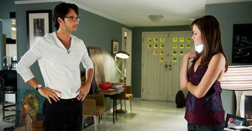 Rodrigo Santoro e Alexis Bledel in una sequenza del film Post Grad