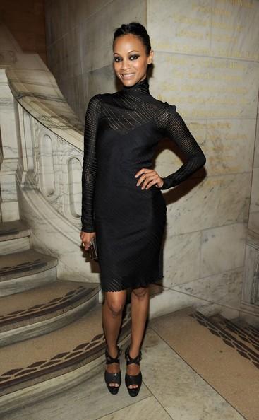 Zoe Saldana vestita CK all' amFAR