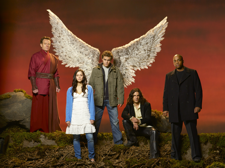 Wallpaper: Bryan Cranston, Fernanda Andrade, Paul Wesley, Hal Ozsan e Rick Worthy per Angeli caduti