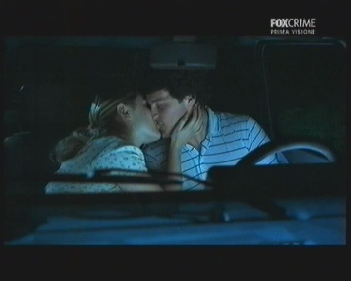 Giacomo Carolei insieme a Tiziana Di Marco in una scena del thriller tv Il mostro di Firenze