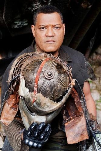 Laurence Fishburne in un'immagine chiave del film Predators