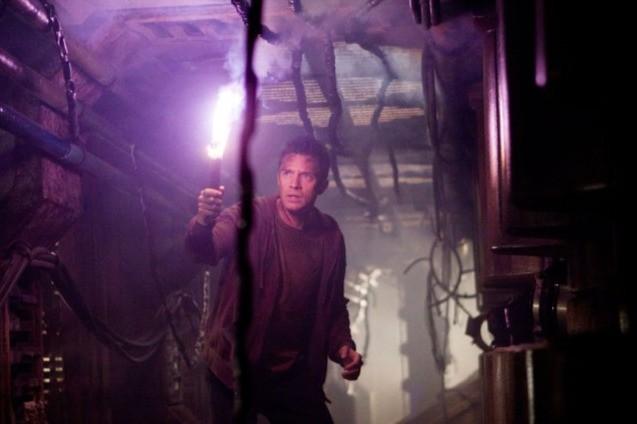 Topher Grace interpreta Edwin nel film Predators