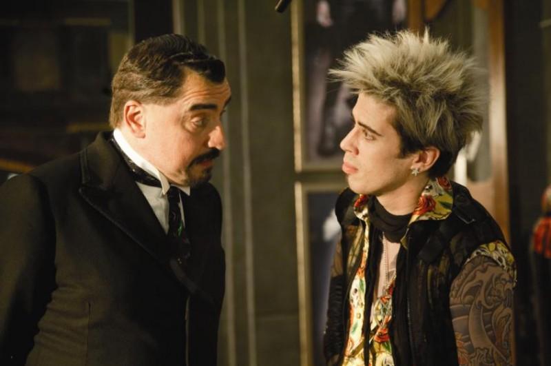 Alfred Molina con Toby Kebbell in una scena del film L'apprendista stregone