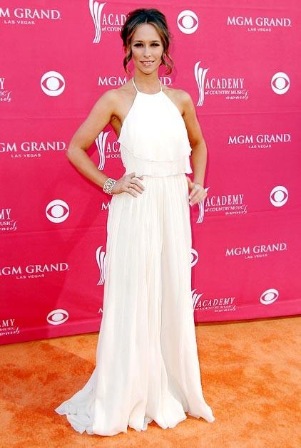 Jennifer Love Hewitt in abito bianco