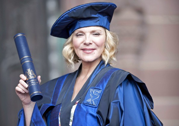 Kim Cattrall laureanda modello