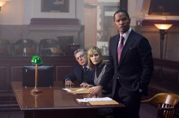Leslie Bibb, Jamie Foxx e Bruce McGill in una scena del film Law Abiding Citizen