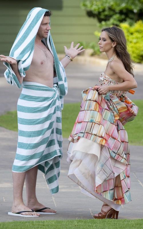 Una buffa immagine di Jennifer Love Hewitt e Jamie Kennedy in vacanza