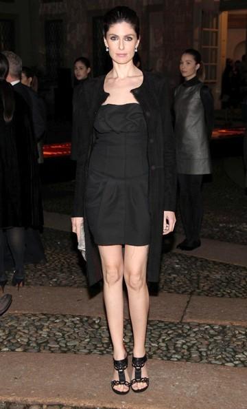 Anna Valle durante la settimana della moda, a Milano (2010)