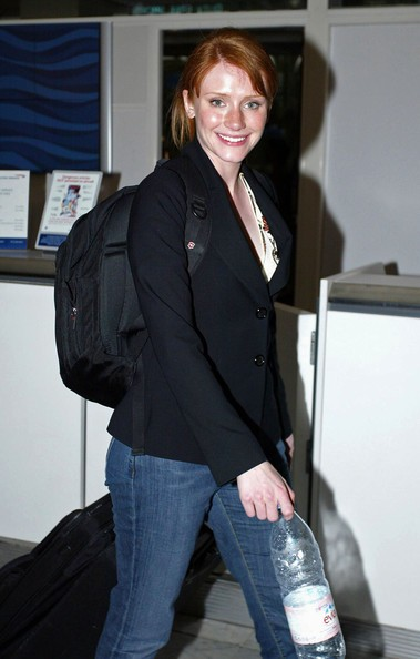 Bryce Dallas Howard all'aeroporto di Nizza nel 2005