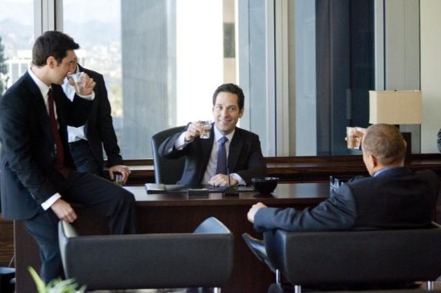 Ron Livingston e Paul Rudd in una scena di Dinner for Schmucks