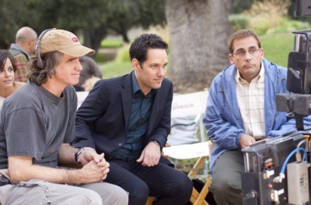 Steve Carell e Paul Rudd con il regista Jay Roach sul set di Dinner for Schmucks