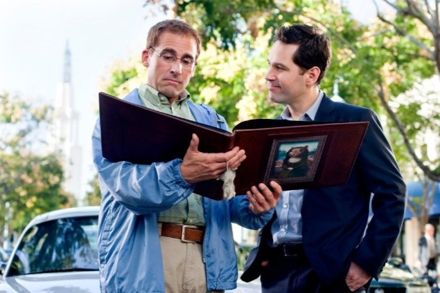 Steve Carell e Paul Rudd in una sequenza di Dinner for Schmucks