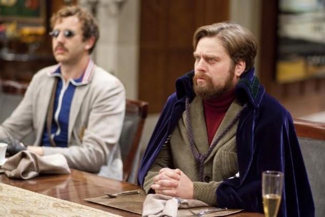 Zach Galifianakis e Chris O'Dowd nel film A cena con un cretino