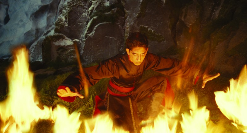 Dev Patel in un'immagine di The Last Airbender