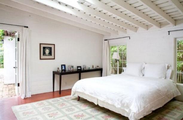 La sontuosa camera da letto della casa di Marylin Monroe a Brentwood (LA)