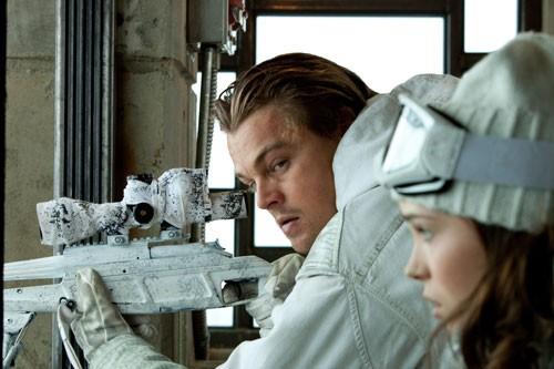 Leonardo DiCaprio ed Ellen Page in una scena di Inception