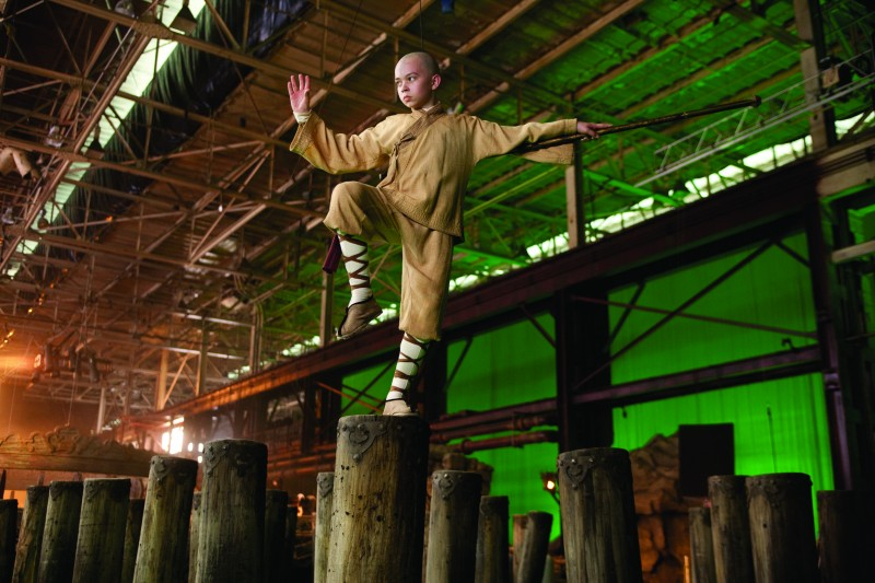 Noah Ringer sul set del film The Last Airbender