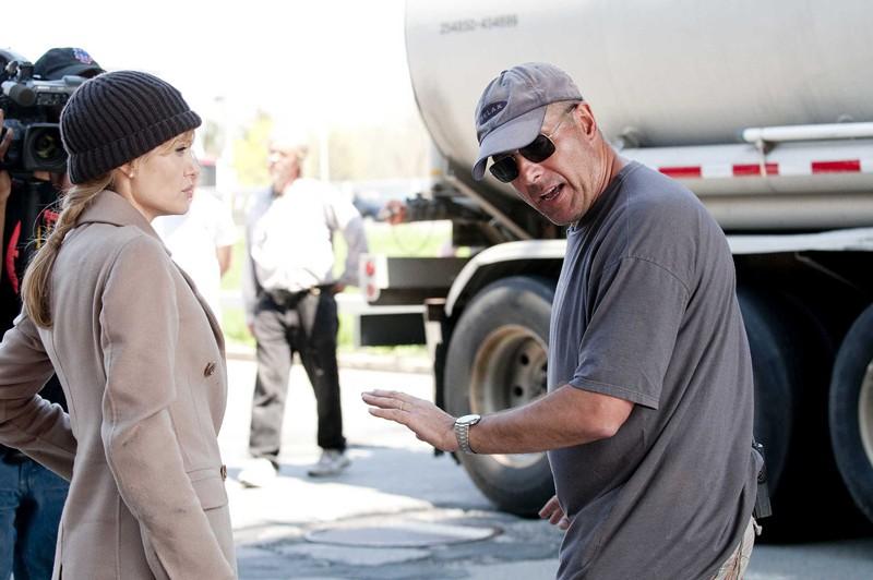L'attrice Angelina Jolie sul set del film Salt