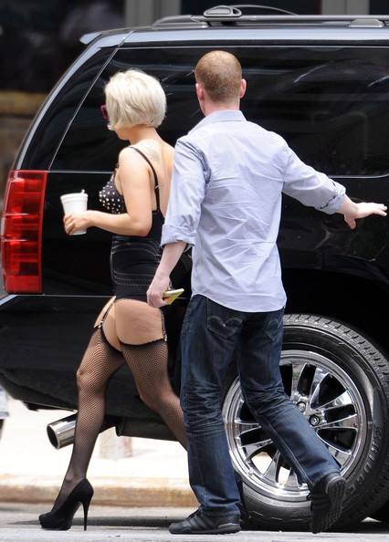 Lady Gaga in giro per New York (estate 2010)