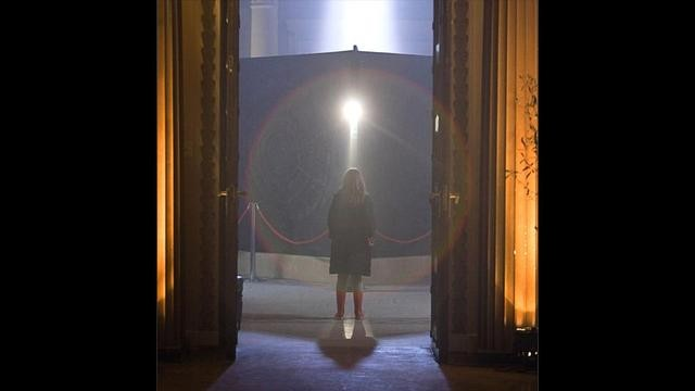 Caitlin Blackwood in una scena dell'episodio The Big Bang di Doctor Who