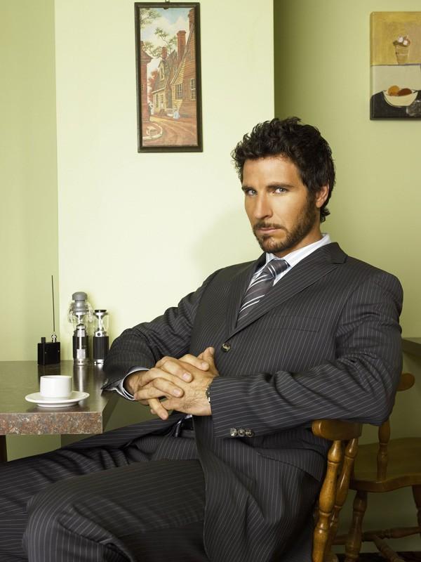 Ed Quinn in una foto promozionale di Eureka