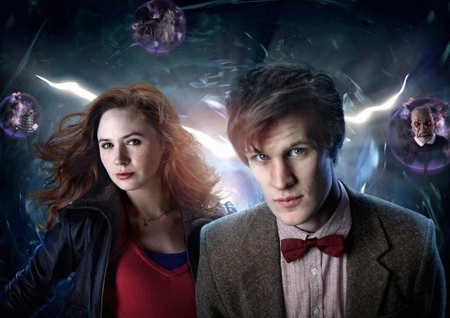 Karen Gillan e Matt Smith in una foto promozionale di Doctor Who