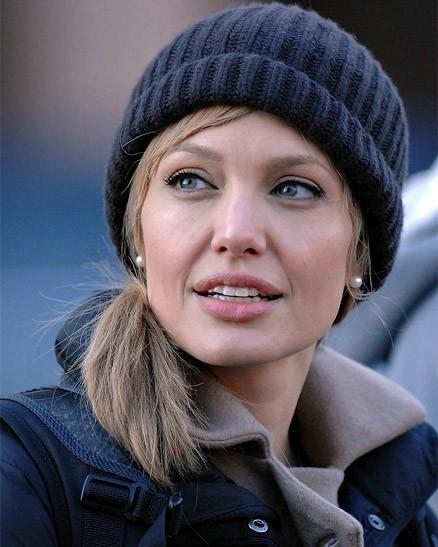 Angelina Jolie sul set di Salt