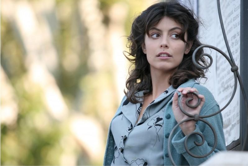 Alessandra Mastronardi nella miniserie Sotto il cielo di Roma