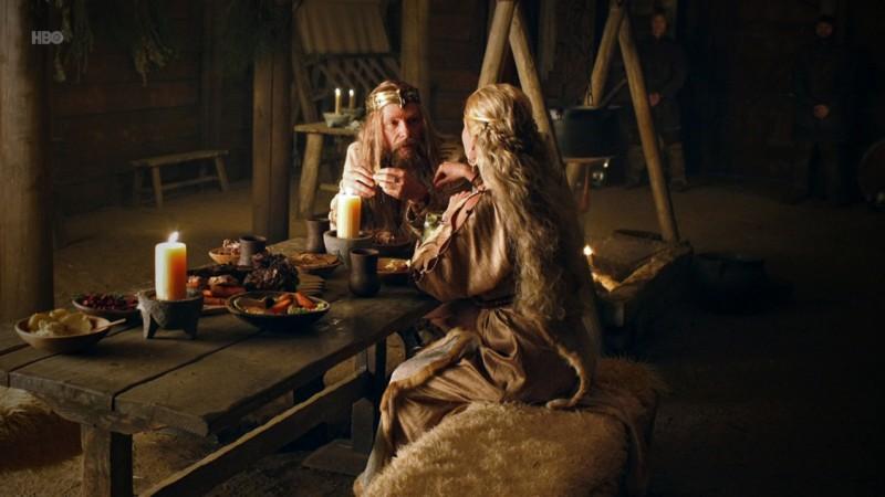 Alexander Skarsgård in una scena dell'episodio Trouble di True Blood