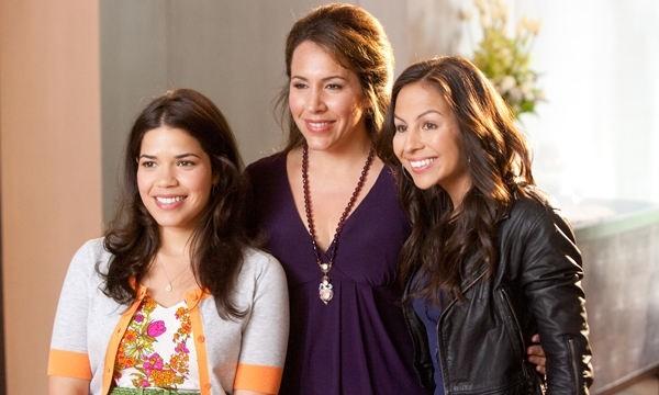America Ferrera, Diana Maria Riva e Anjelah Johnson in una scena della commedia Our Family Wedding