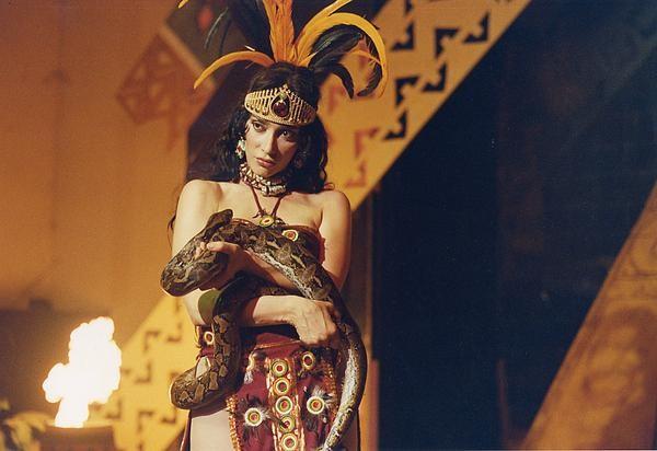 Anna Marcello in una scena di The Tomb