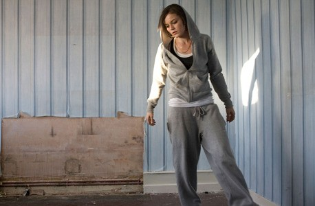 Katie Jarvis in una sequenza del film Fish Tank (2009)