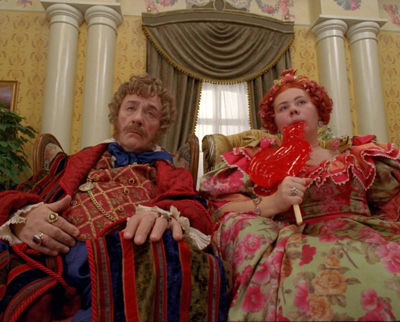 Leonid Kuravlyov e Olga Ergina in una scena del fantasy Il maestro della pietra magica