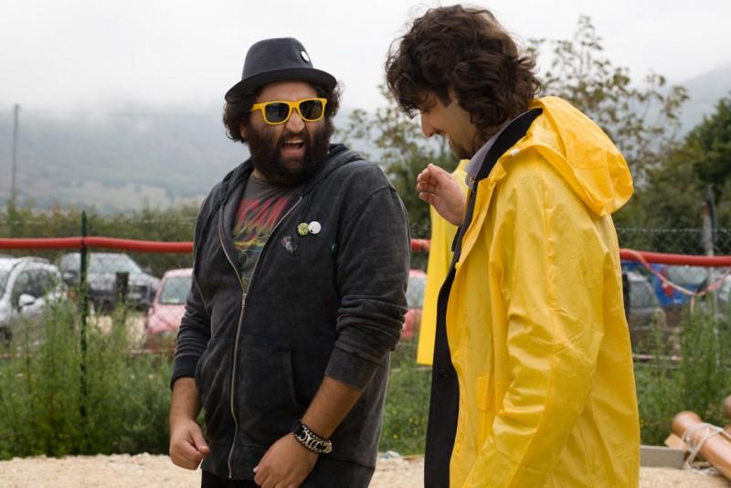 Nicola Nocella e il regista Giuseppe Tandoi sul set del film La città invisibile
