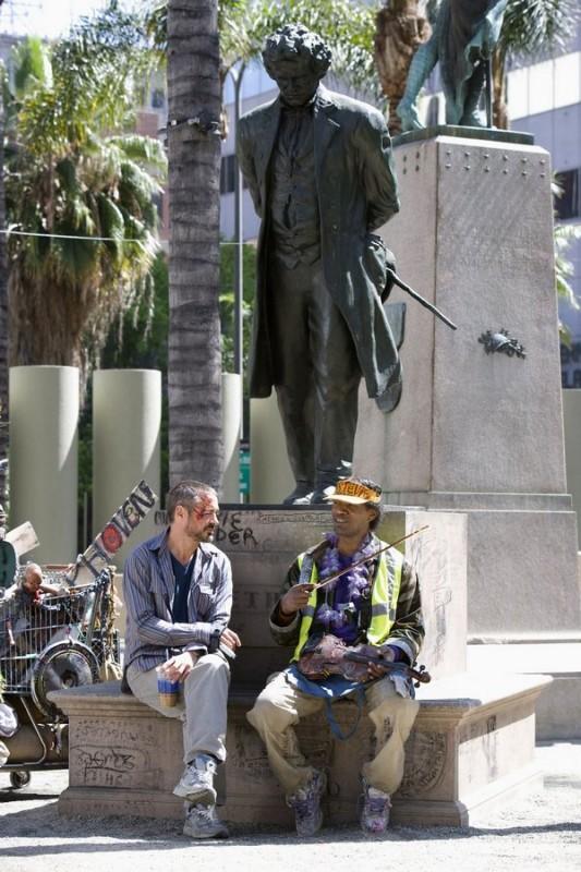 Robert Downey Jr. e Jamie Foxx in una scena del film The Soloist