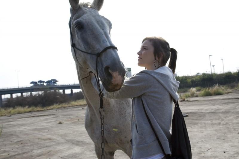 Un'immagine di Katie Jarvis dal film Fish Tank (2009)