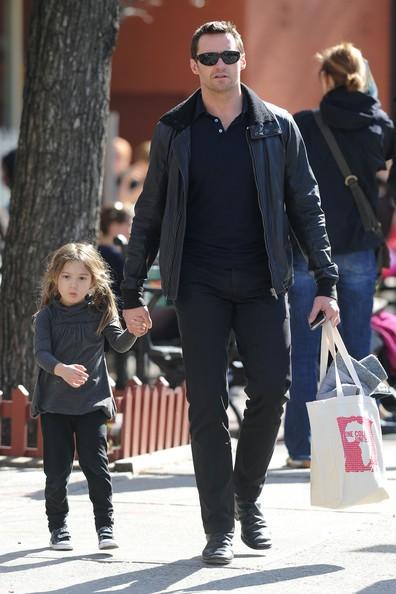 Hugh Jackman in giro con sua figlia Ava