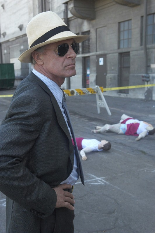 Keith Carradine in una scena dell'episodio Blinded by the Light di Dexter