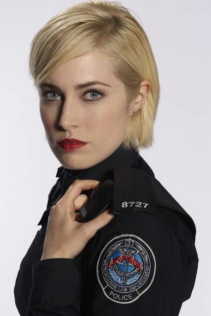 Charlotte Sullivan in una immagine promozionale di Rookie Blue