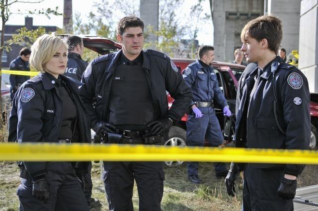 Gregory Smith, Charlotte Sullivan e Travis Milne nell'episodio Girlfriend of The Year di Rookie Blue