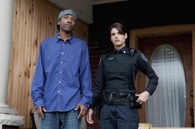 K.C. Collins e Missy Peregrym nell'episodio Bullet Proof di Rookie Blue