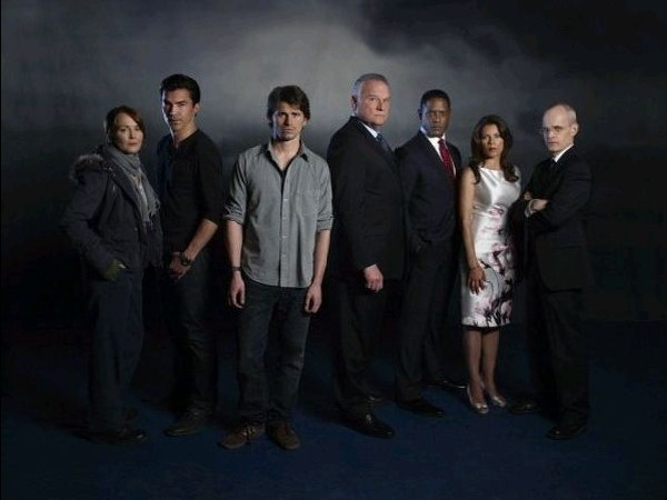Laura Innes, Ian Anthony Dale, Jason Ritter, Bill Smitrovich, Blair Underwood, Lisa Vidal e Željko Ivanek in un'immagine promozionale di The Event