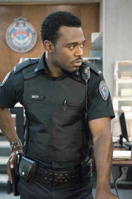 Lyriq Bent nell'episodio Signals Crossed di Rookie Blue