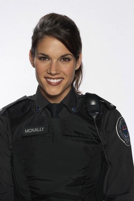 Missy Peregrym in una foto promozionale della serie Rookie Blue